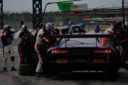 ドリス・バンスール/ケルビン・ファン・デル・リンデ/フレディック・ヴェルビッシェ組(Audi Sport Team WRT)