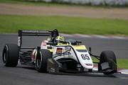 13戦予選3位、第14戦ポールポジションのエナム・アーメド(B-Max Racing with motopark F3)