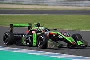 第16戦ポールポジション、第17戦予選2位のサッシャ・フェネストラズ(B-Max Racing with motopark F3)