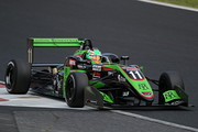 優勝はサッシャ・フェネストラズ(B-Max Racing with motopark F3)