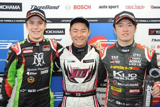 決勝フォトセッション: トップ3のドライバー