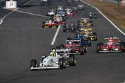 日本一決定戦セミファイナル: 10周のレースがスタートした