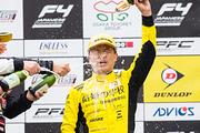 インディペンデントカップでチャンピオンを獲得した佐藤セルゲイビッチ(FIELD MOTORSPORTS)