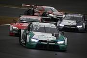 SGTxDTM交流戦レース2: マルコ・ヴィットマン(BMW M4 DTM)を先頭としたバトル