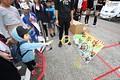 GTキッズウォーク: 輪投げを楽しむ子ども
