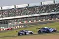 決勝レース: 大嶋和也(WAKO\'S 4CR LC500)とニック・キャシディ(LEXUS TEAM KeePer TOM\'S)の2位争い