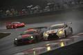 決勝レース: 和田久(R\'Qs MOTOR SPORTS) vs ナタポン・ホートンカム(arto RC F GT3)