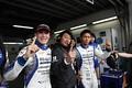 公式予選: GT300ポールポジションのサッシャ・フェネストラス、近藤真彦監督、平峰一貴(KONDO RACING)
