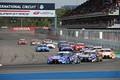 決勝レース: スタート直後、GT500クラスの攻防