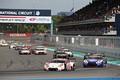 決勝レース: スタート直後、GT300クラスの攻防