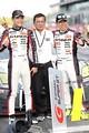 決勝レース: GT300クラスで優勝した星野一樹/石川京侍と藤井一三監督(GAINER)