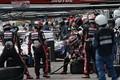決勝レース: ピット作業を行うリアライズコーポレーションADVAN GT-R(KONDO RACING)