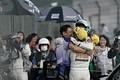 決勝レース: GT300クラスで優勝した飯田章監督、宮田莉朋と吉本大樹(LM corsa)