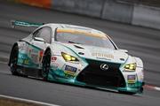 スプリントカップレース1: 優勝は吉本大樹/宮田莉朋組(SYNTIUM LMcorsa RC F GT3)