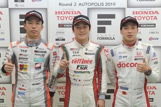 予選フォトセッション: トップ3のドライバー