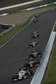 決勝レース: 4コーナーから5コーナーへ向かうドライバーたち