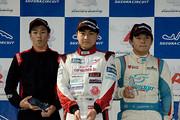 表彰式: 優勝・岩佐歩夢、2位・澤龍之介、3位・荒川鱗