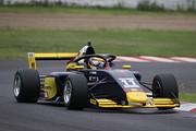 第4戦~6戦ともマスタークラスでポールポジションの植田正幸(Rn-sports F111/3)