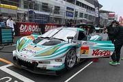GT300クラスで優勝した加藤寛規/柳田真孝組(シンティアム・アップル・ロータス)