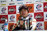 決勝記者会見: GT300クラスで優勝した加藤寛規(シンティアム・アップル・ロータス)
