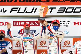 GT500クラスで優勝したヘイッキ・コバライネン/中山雄一組( TGR TEAM SARD)