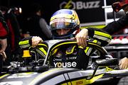 フリー走行: 本邦初登場のセルジオ・セッテ・カマラ(Buzz Racing with B-Max)
