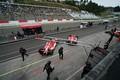 決勝レース: コースインするコンドーレーシングのドライバーたち