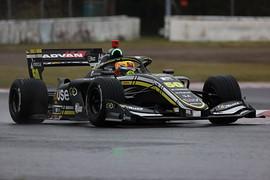 占有走行: 初登場のセルジオ・セッテ・カマラ(Buzz Racing SF19)は17位と振るわず