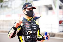 ポールポジションを獲得したセルジオ・セッテ・カマラ(Buzz Racing with B-Max)