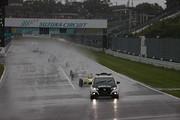 レースはSC先導で始まった