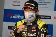 決勝記者会見: 2位の阪口晴南(B-MAX RACING TEAM)