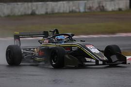 第6戦、第7戦ともポールポジションの阪口晴南(Buzz Racing with B-MAX)