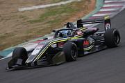 決勝2位は阪口晴南(Buzz Racing with B-MAX)