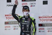 決勝記者会見: 決勝2位の阪口晴南(B-MAX RACING TEAM)