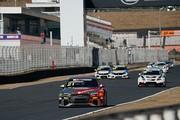序盤レースをリードする篠原拓朗(Audi Team Hitotsuyama)