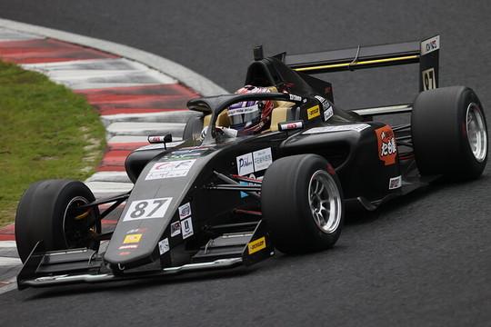 第1戦ポールポジション、第3戦予選2位の塩津佑介(Power s MP F111)