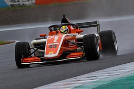 ポールポジションは大草りき(PONOS Racing)