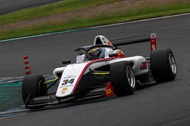 マスタークラス第5戦予選2位、第6戦ポールポジションの三浦勝(CMS F111)