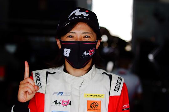 第7戦予選2位、第8戦予選3位、第9戦ポールポジションの三浦愛(Team Super License)