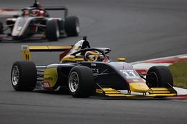 マスタークラス決勝3位は植田正幸(Rn-sports F111/3)
