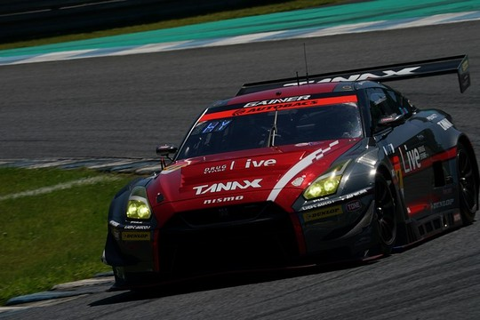 GT300クラス決勝2位は平中克幸/安田裕信組(GAINER TANAX GT-R)