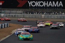 公式テスト岡山4回目: GT300クラスのスタート練習