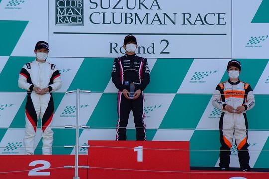 左から2位・佐藤巧望、優勝・岡本大地、3位・上野大哲