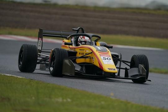 第10戦予選2位、第11戦ポールポジションの名取鉄平(B-MAX RACING TEAM)