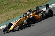 ポールポジションは名取鉄平(Byoubugaura B-MAX Racing 320)