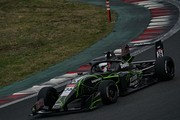 3位を走ってたジュリアーノ・アレジはスピンして6位