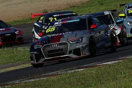 レース1: 決勝4位は加藤正将(Audi Team Mars)