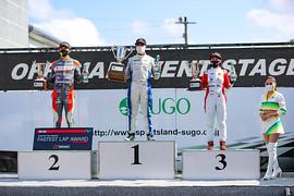 レース2: 表彰式