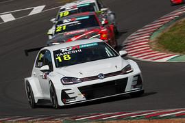 レース2: スタートを制したのはPPの松本武士(バースレーシングプロジェクト【BRP】)