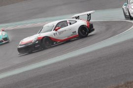 スピンをする大草りき(Porsche Japan Junior Programme)
